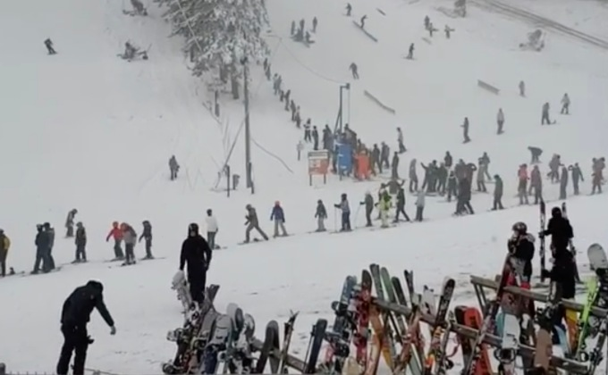 Lift Ticket Sales Capped After Hundreds Of Skiers Show Up For Trollhaugen's Opening Day