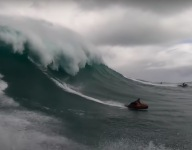 Would You Tube Down Oahu's Monster Waves?