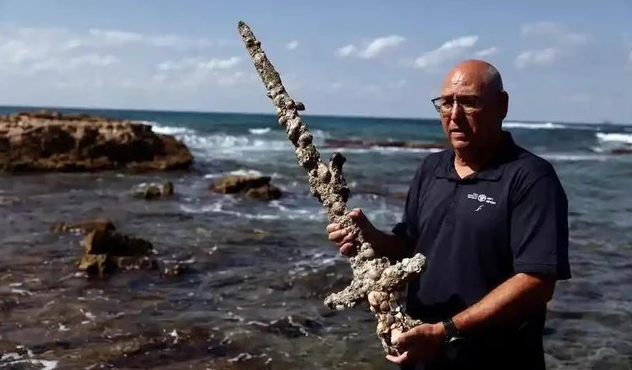 WATCH: Sword Dating Back To Crusades Found By Diver In Israel